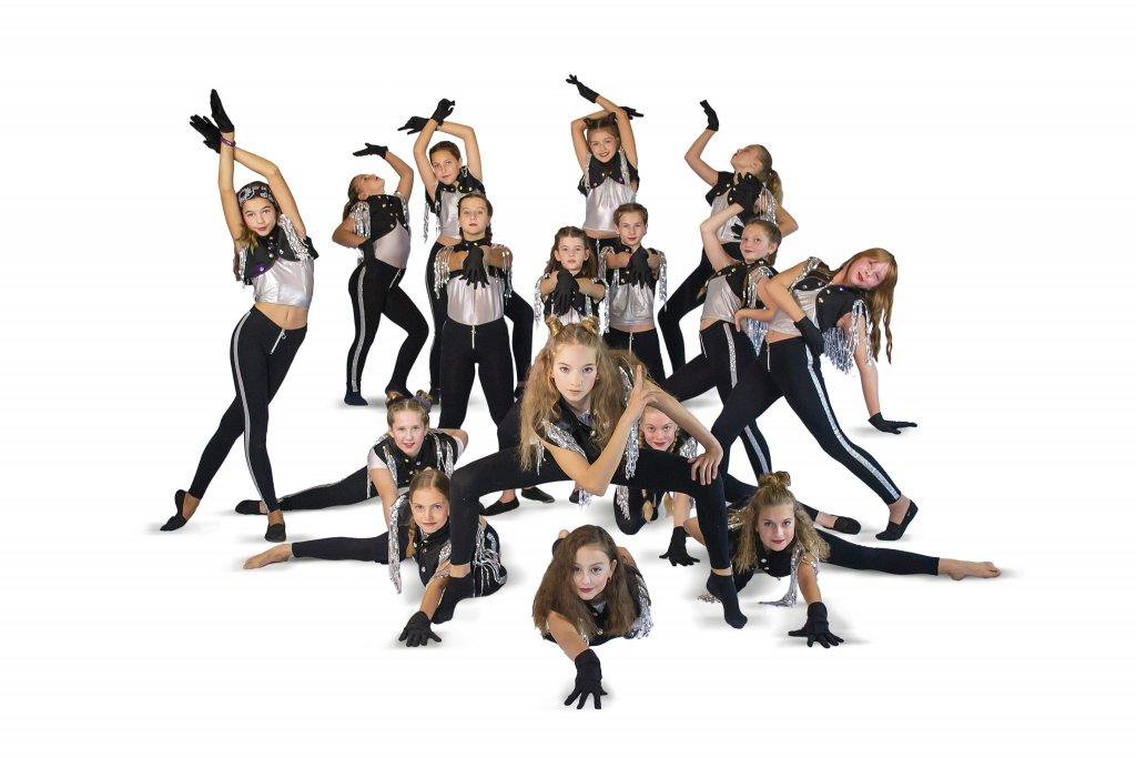G mini Dance team